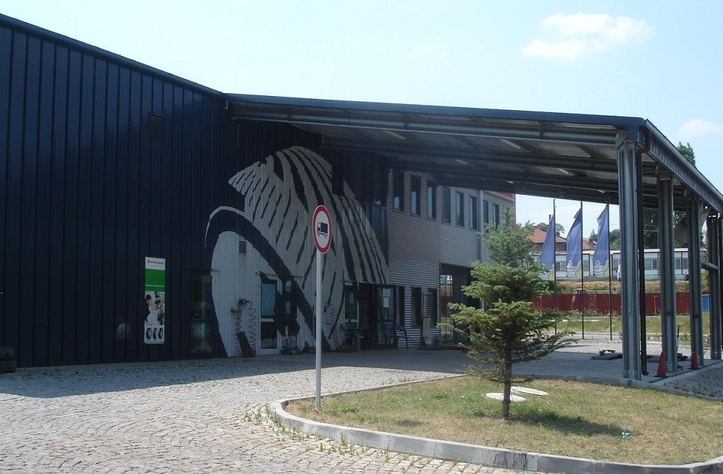 Стоманени конструкции - складове и навес за БКС Витоша АД